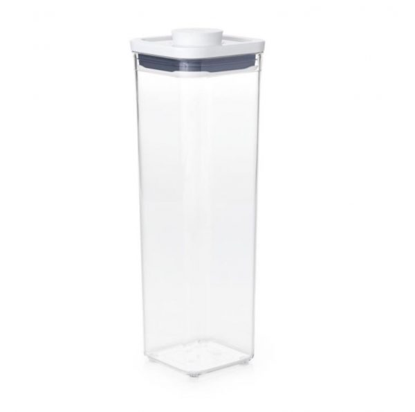 Bote Pop cuadrado estrecho 2,1 litros de OXO