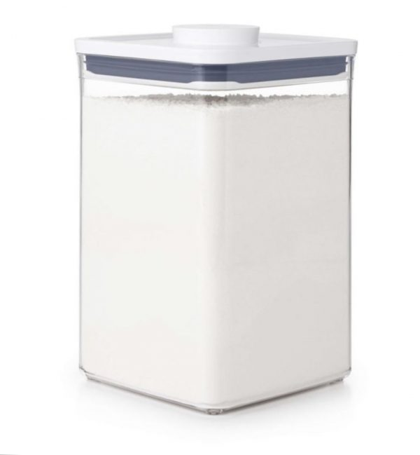 Bote Pop cuadrado ancho 4,2 litros de OXO