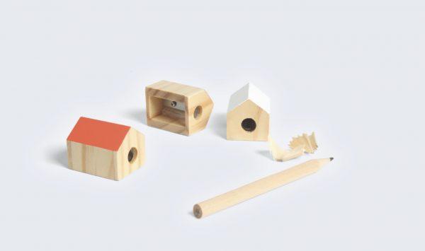 Sacapuntas casita de madera