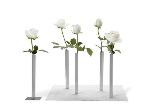 Magnetic vase