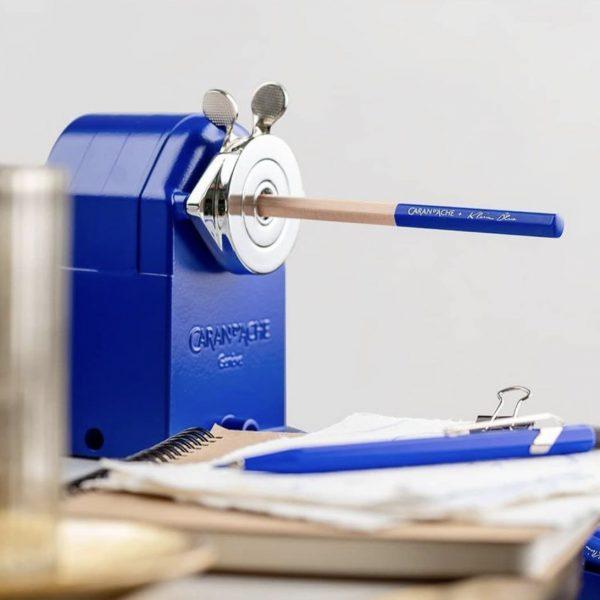 Afilalápices metálico Klein Blue