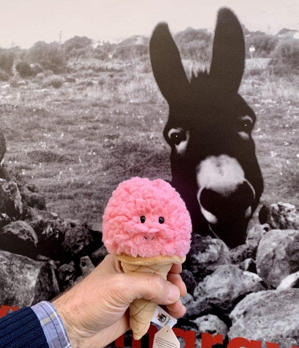 Irresistible helado de fresa de Jellycat
