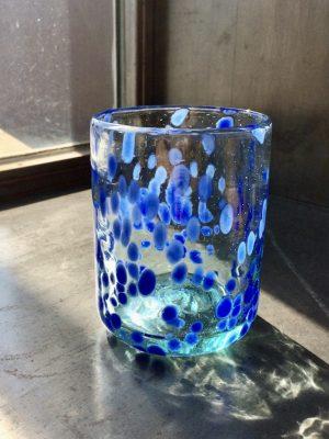Vaso de vidrio Puntos Azules