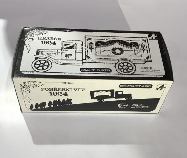 Camión funerario de 1924