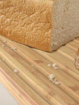 Recipiente para pan con tapa de bambú de JosephJoseph