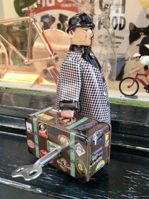 Hombre con maleta
